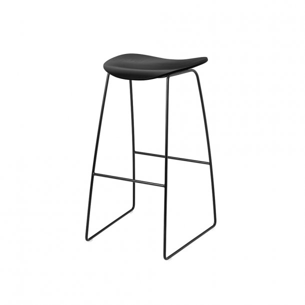 Gubi - 2D Bar Stool | Sledge Base