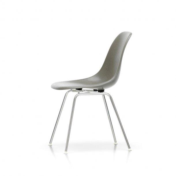 Vitra - Eames Fiberglass Side Chair DSX stol - Krom