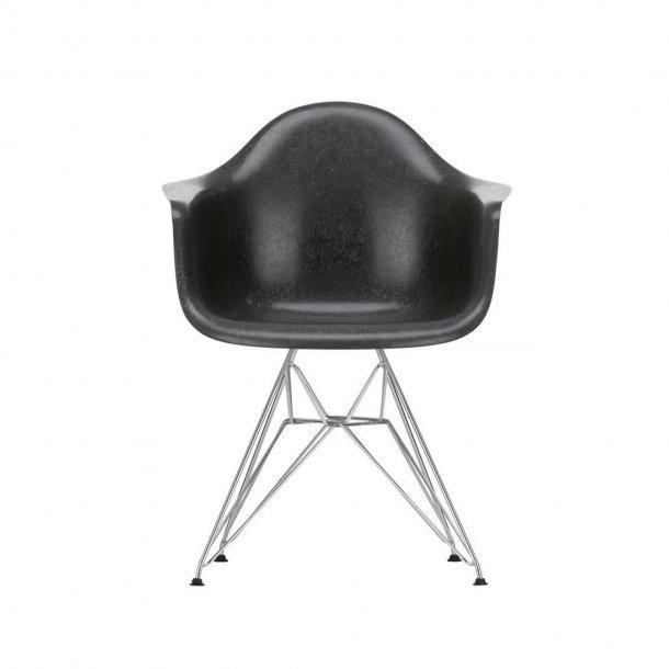 Vitra - Eames Fiberglass Armchair DAR | Forkromet
