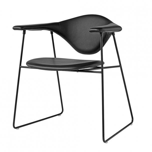 Gubi - Masculo Dining Chair | Sledge Base