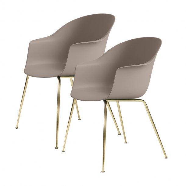 Gubi - Bat Dining Chair | Un-Upholstered | Conic, Brass Semi Matt Base | 2 stk
