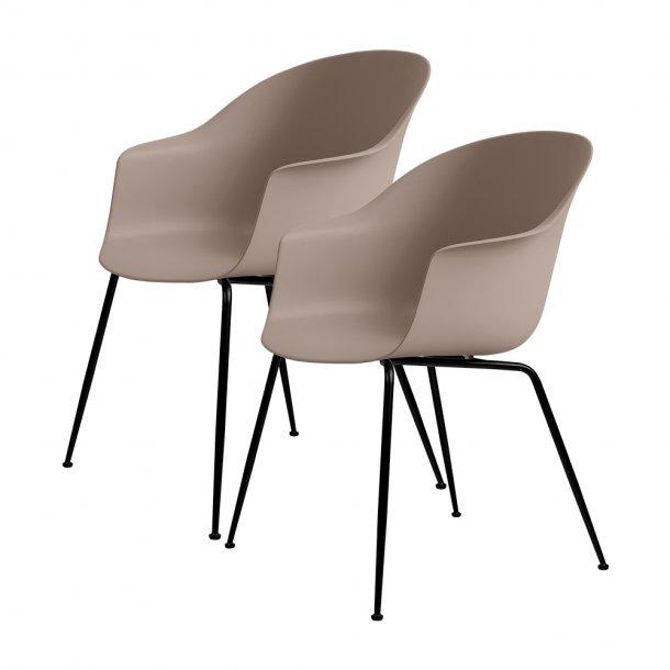 Gubi - Bat Dining Chair | Un-Upholstered | Conic, Black Matt Base | 2 stk*