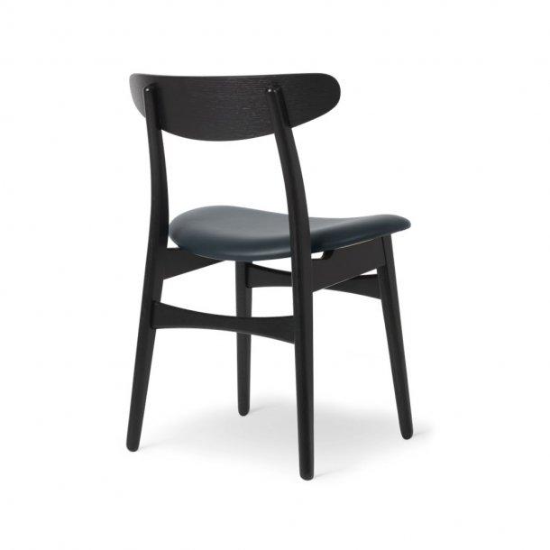 Carl Hansen & Søn - CH30P stol | eg, sortmalet, læder