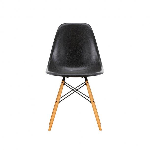 Vitra - Eames Fiberglass Side Chair DSW   Lyst ahorn