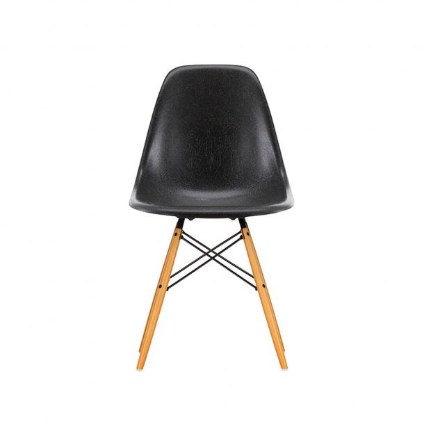 Vitra - Eames Fiberglass Side Chair DSW - Lyst ahorn