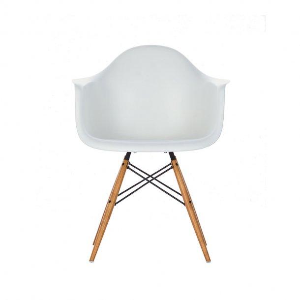 Vitra - Eames Plastic Armchair DAW - Lyst ahorn