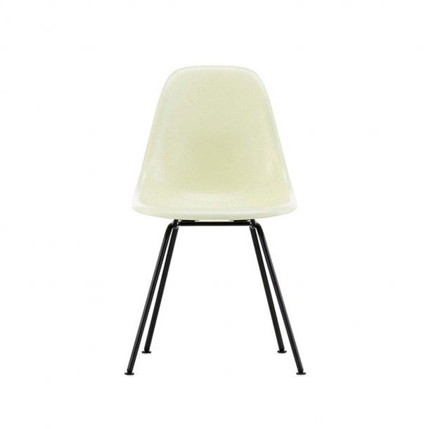 Vitra - Eames Fiberglass Side Chair DSX | Pulverlakeret