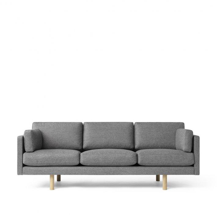 Erik Jørgensen - EJ 220 | Model 2033 | 3 pers | Eg lak ben | Tekstil